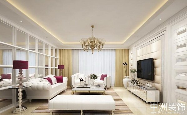 本案业主是年轻的个体经营者,要求室内典雅庄重,空间功能性强。顶面采用造型吊顶,电视背景墙硬包在颜色上与窗帘沙发的呼应统一,加上经典欧式风格吊灯的装饰点缀赋予了整个空间奢华优雅的氛围,突出了室内装饰的一个变化,既保留了古典欧式的典雅与豪华,有更适应现代生活的休闲与舒适。半开放式的厨房设计,看似没有亮点,但实际上却使得餐厅的空间在视觉上的到了延伸,空间划分非常合理到位,雕花的镜面玻璃更是让餐厅与客厅产生了巧妙的关联性同时也使得整个空间宽敞明亮。典雅的灯光设计加上冷暖搭配的整体色调,使得卧室庄重典雅又不乏轻松浪